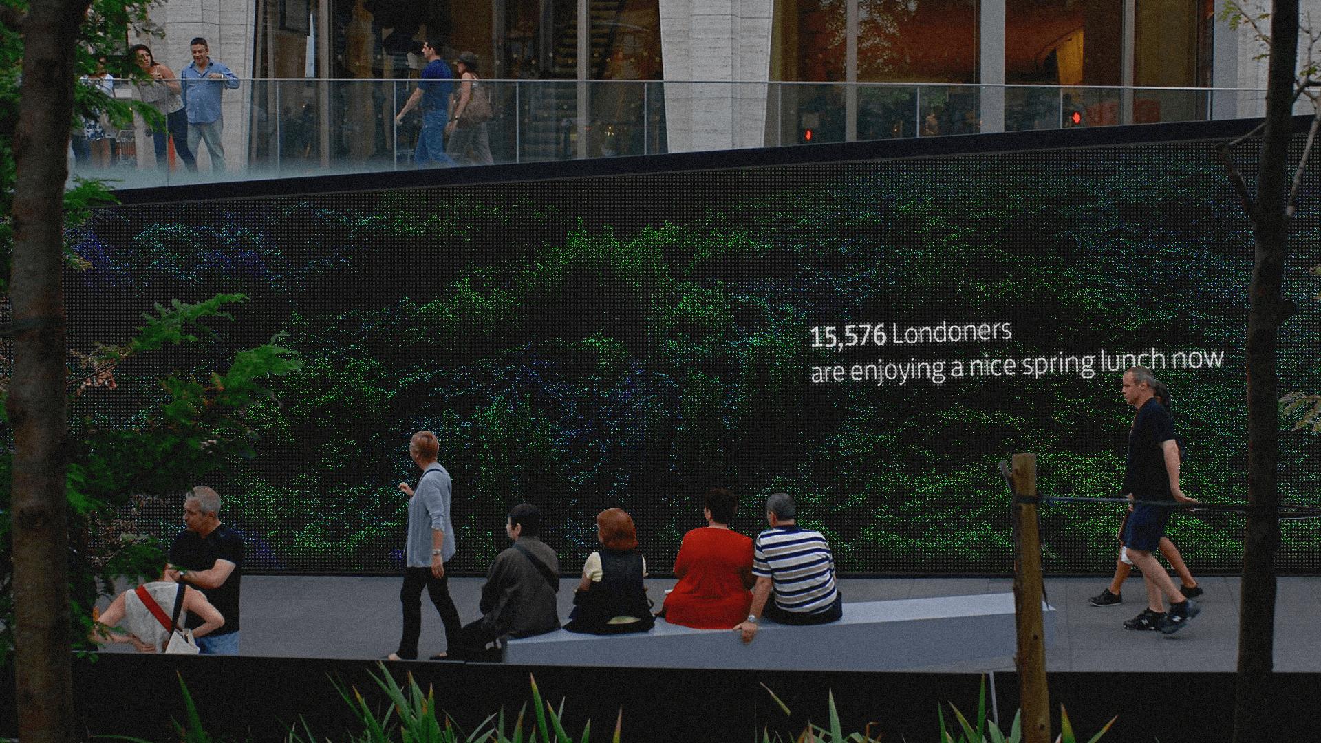 LLOYDS-GroupTech-Wall_LED-01